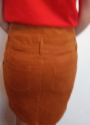 Стильная юбка из вельвета