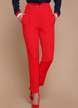 Класичні червоні штани