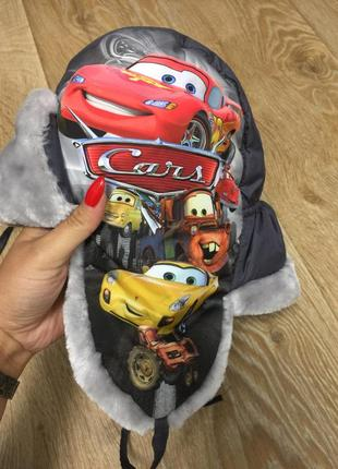Тёплая зимняя шапка