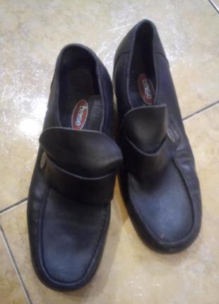 Добротные винтажные туфли 100 % кожа