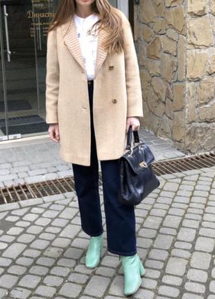 Стильное тёплое пальто из шерсти / тренч