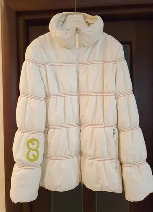 Куртка,пуховик escada