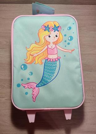 Стоковый детский чемодан с русалочкой. в комплекте рюкзак и сумка.