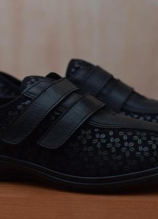 Черные женские кроссовки на липучках easy. 39 размер. оригинал