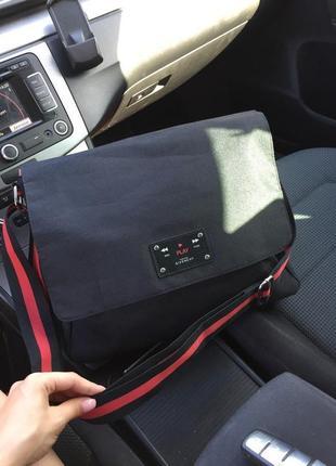 Вместительная оригинальная сумка
