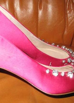 Рожеві  атласні туфлі h&m р39