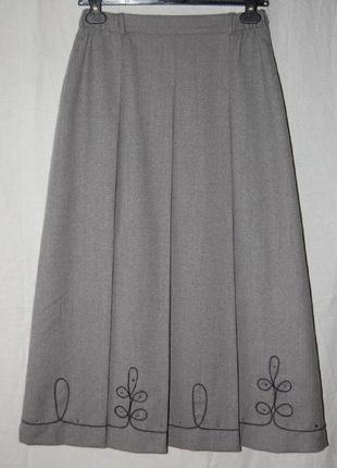 Красивая юбка в складку, на подкладке, вышивка, 100% шерсть, италия