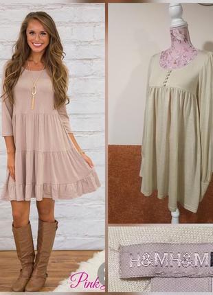 Фирменное стильное качественное статусное шерстяное платье.