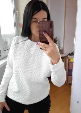 Свитшот свитер белый atmosphere