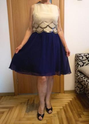 Шикарное шифоновое платье расшито бисером с красивой спинкой. размер 16