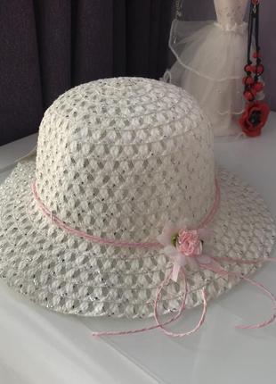 Плетенная шляпка панамка