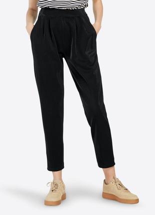 Мега крытые фирменные штаны с серебристым