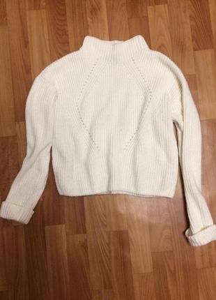Укороченый вязаный свитер