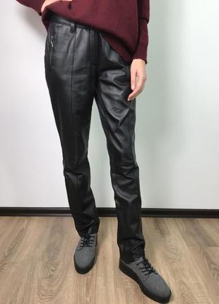 Черные кожаные прямые брюки штаны дудочки из натуральной кожи bandolera размер m/10/38.