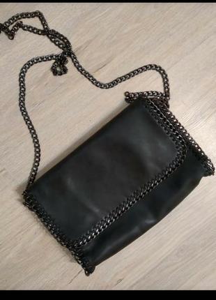 Крутячая стильная сумка черная с шикарной фурнитурой