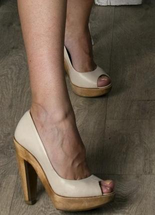 Туфли aldo нюдового цвета