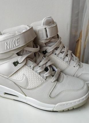 Сникерсы nike (кроссовки)