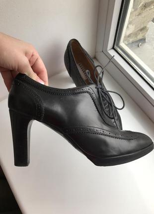 Чёрные кожаные туфли fratelli rossetti