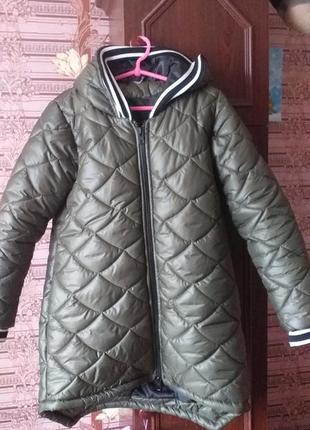 Продам классную новую  куртку  теплая  зима холодная осень
