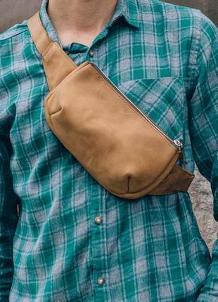Поясная кожаная сумка, бананка коричневая, нагрудная сумка