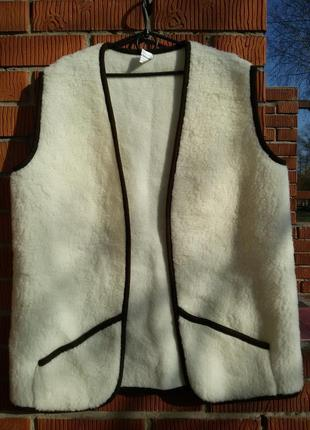 Очень теплый жилет, нат. шерсть wooll mark 52-54