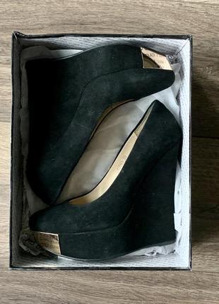 Замшевые туфли antonio biaggi размер 39 на платформе танкетке антонио биаги  чёрные туфли