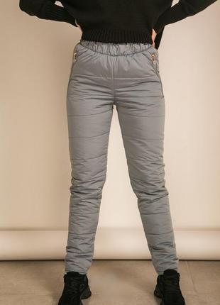 Теплые женские штаны из плащевки с синтепоном