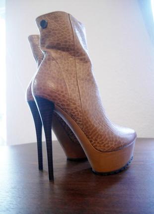 Ботинки кожанные на высоком каблуке - шпильке rosa rot
