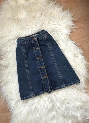 Джинсовая юбка на пуговицах от denimco
