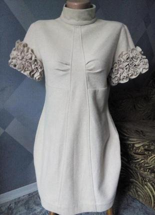 Шерстяное фирменное платье