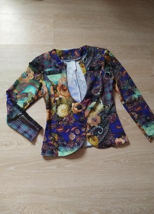 Пиджак женский на пуговицах