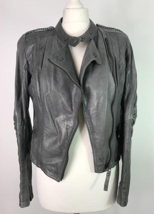 Серая короткая укороченная кожаная курточка косуха bershka размер s/36/8.