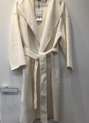 Пальто zara. новое