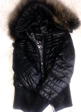 Продам оч классную тёплую кожаную курточку на пуху