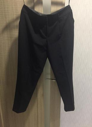 Классические брюки dorothy perkins . прямые с манжетами.