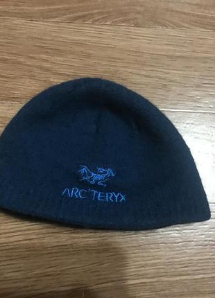 Крутая шапка от arc'teryx