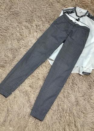 Шикарные актуальные новые хлопковые брюки с красивым принтом h&m 🌹