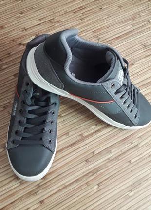 Новые турецкие кроссовки
