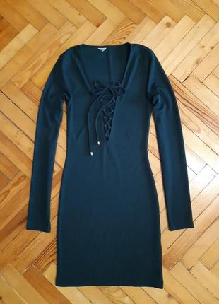 Изумрудное платье в рубчик gina tricot на шнуровке