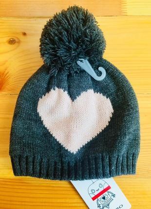 Красивая теплая шапочка castro