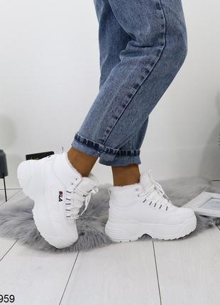 Зимние белые кроссовки на платформе, зимние тёплые кроссовки белого цвета.