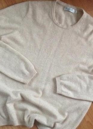 Мягкий кашемировый свитерок ewm