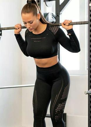 Костюм топ и леггинсы для спорта фитнесса тренировок