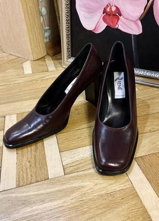 Шикарные новые кожаные туфли бордовые марсала с квадратным носком