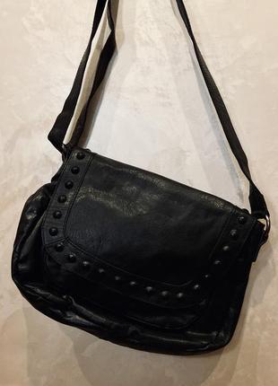 Итальянская кожаная чёрная  сумка на длинной ручке