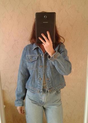 Укороченная джинсовка джинсовая куртка джинсова куртка