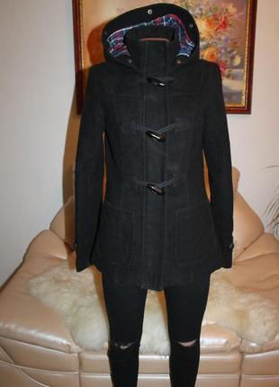 Теплое черное базовое пальтр