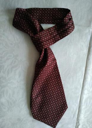 Шёлковый галстук с петлей на конце
