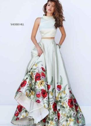 Крутое оливковое атласное  платье sherri hill