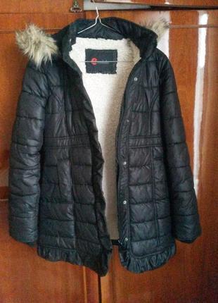 Тёплая красивая куртка